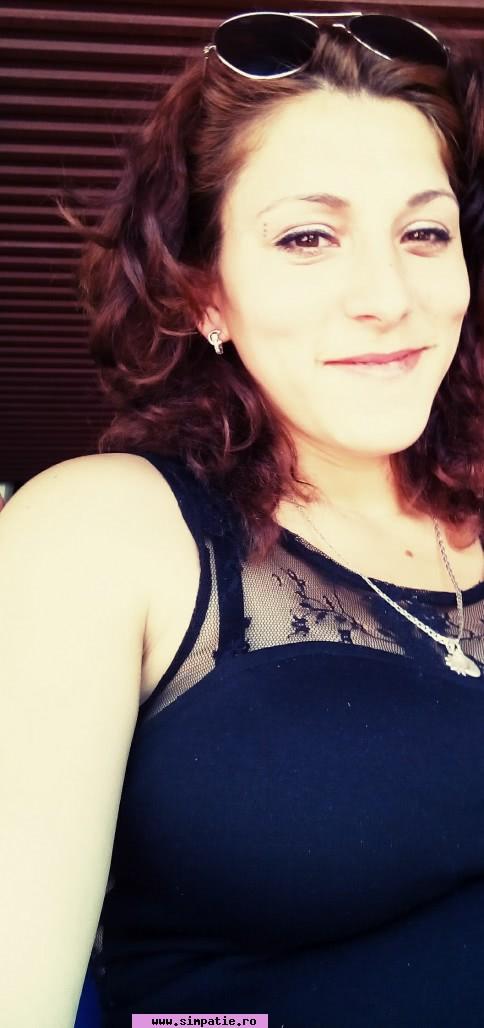 Alina Io, Femeie, 24 ani, Constanta, Romania